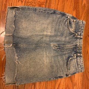 Mini HM skirt size 4